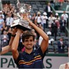 Roland-Garros 2018 — Pierre-Hugues Herbert hoists his first French Open trophy, Shingo Kunieda his seventh